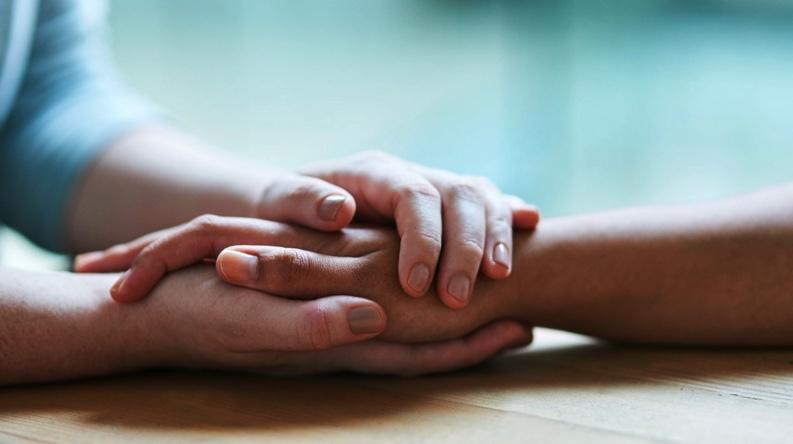 Χέρια πιασμένα - συγχώρεση - ευη χατζηγιαννη
